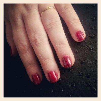 manucure-rouge-gel-stamping