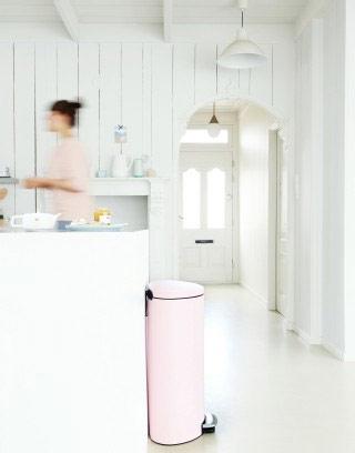 brabantia-poubelle-plate-rose