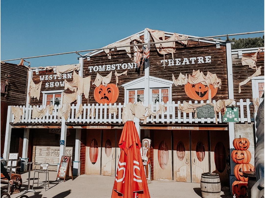 Entrée OK Corral à Halloween en famille